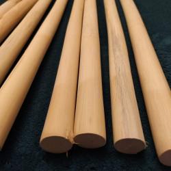 Vyřezávaný ornament ve tvaru čtverce s motivem listu Acantus