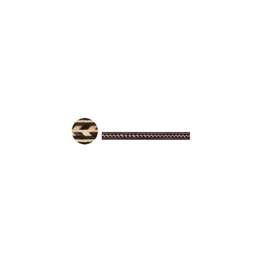 Intarsias arrow formed